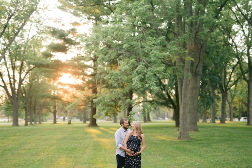 Maternity Photo with lots of greenery