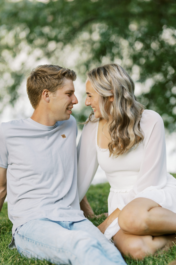 Engagement photos of young couples
